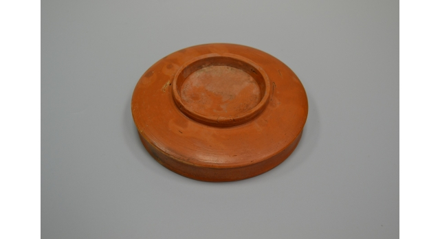 Римская краснолаковая тарелка/Оригинал, Римская империя, I-III вв., диаметр 13 см, высота 3 см, с клеймом в виде ноги [др-51]