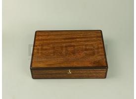 Подарочный футляр для револьвера Наган / Дерево с бордовым бархатом [п-97]