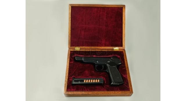 Подарочный футляр для пистолета АПС / Дерево с бордовым бархатом [п-94/2]