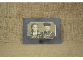 Фото сержанта автомобильных войск НКВД со спутницей