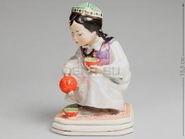 3269 Статуэтка «Девочка-узбечка с чайником»