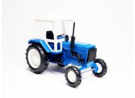 Сувенирная модель трактора МТЗ-82 металл (синий с бел. пласт. кабиной) 1:43