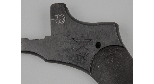 Крышка для револьвера Наган / Оригинал склад клеймо Ижевск 1941 год [наган-56(1)]