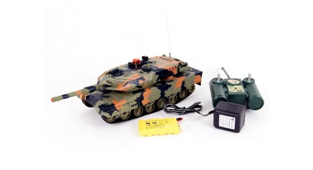 Р/У танк Huan Qi Leopard 2A5 с ИК-пушкой 1:24 7