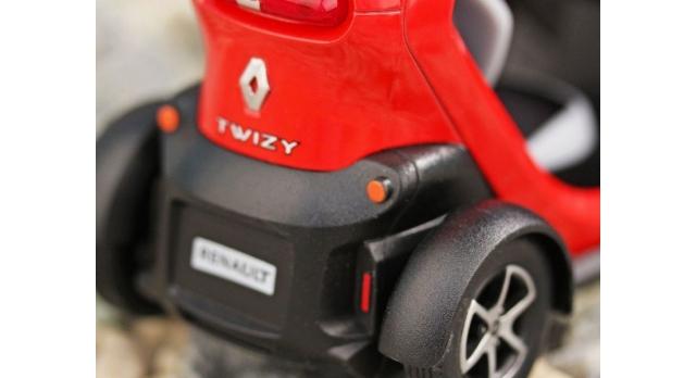 Машина Kinsmart Twizy инерция (1/12шт.) 12,5см б/к 9