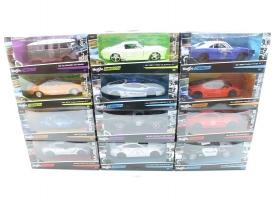 Машина 1:24 MAISTO Design в ассортименте 12 моделей в/к