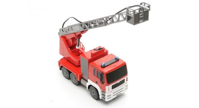 Р/У пожарная машина Double Eagle, брызгает водой 1:20 2