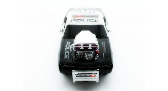 Р/У полицейская машина из серии &quotMuscle Сar&quot с гоночным Мотор. 1/16+свет+звук 4