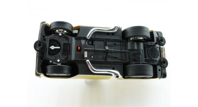 Р/У пикап из серии &quotMuscle Сar&quot с гоночным Мотором 1/16 + свет + звук 9