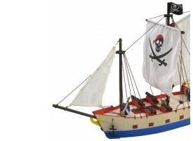 Собранная деревянная модель корабля Artesania Latina PIRATE SHIP BUILT 1