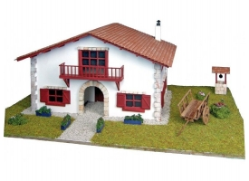 Сборная деревянная модель деревенского дома Artesania Latina Chalet kit de Caserío con carro, 1/72