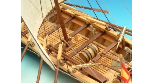 Сборная деревянная модель капитанской шлюпки корабля Artesania Latina SANTISIMA TRINIDAD, 1/50 5