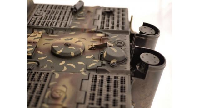 Р/У танк Torro Sturmtiger Panzer 1/16  2.4G, зеленый, ИК-пушка, деревянная коробка 4