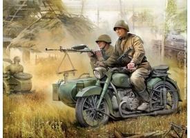 Сборная модель ZVEZDA Советский мотоцикл М-72 с коляской и экипажем, 1/35