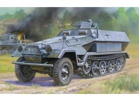 "Сборная модель ZVEZDA Немецкий бронетранспортер ""Ханомаг"" Sd.Kfz 251/1 AusF.B, 1/35"