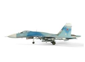 Сборная модель ZVEZDA Советский истребитель Су-27, подарочный набор, 1/72 1
