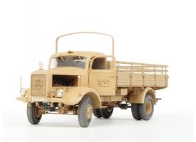 Сборная модель ZVEZDA Немецкий тяжелый грузовик L 4500A, 1/35