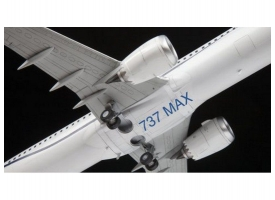 Сборная модель ZVEZDA Пассажирский авиалайнер Боинг 737-8 MAX, 1/144 1