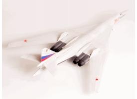 Сборная модель ZVEZDA Российский сверхзвуковой стратегический бомбардировщик Ту-160, 1/144 1