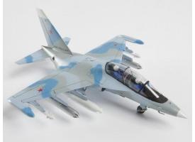 Сборная модель ZVEZDA Российский учебно-боевой самолет Як-130, 1/72