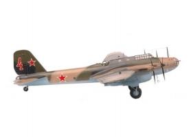 Сборная модель ZVEZDA Советский дальний бомбардировщик ПЕ-8, 1/72 1