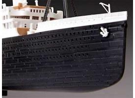 Сборная модель. Корабль лайнер Титаник 1/700 1