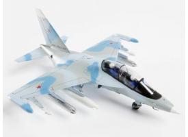 Сборная модель ZVEZDA Российский учебно-боевой самолет Як-130, 1/72 1